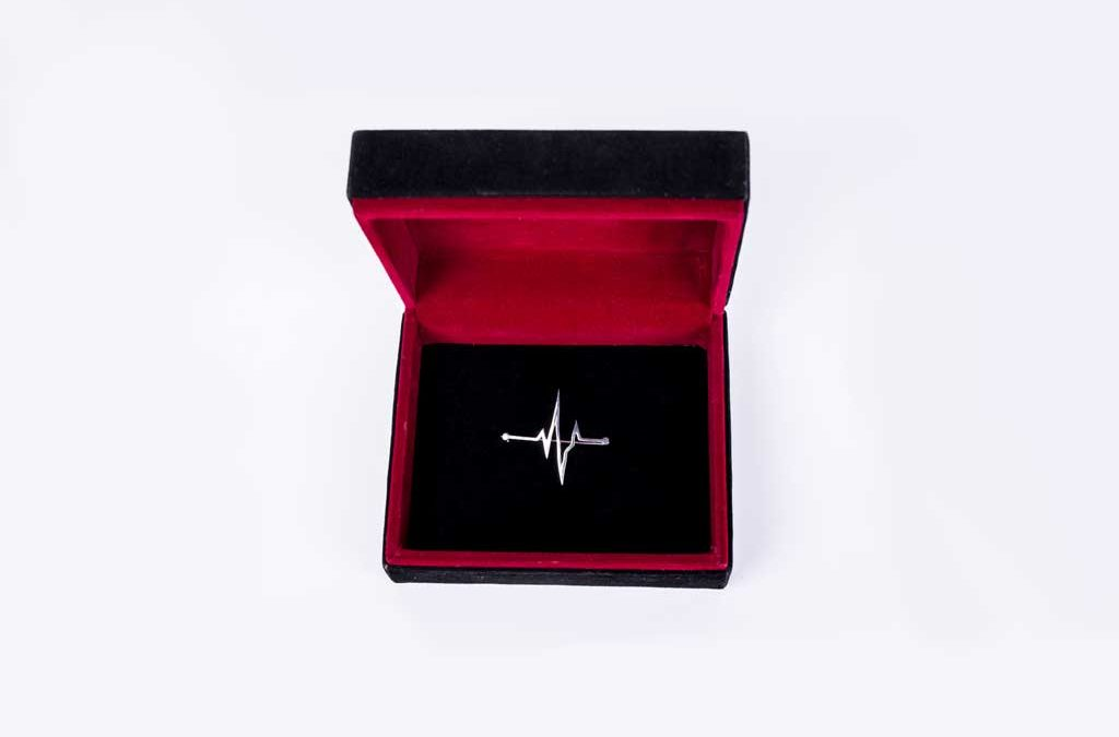 بج سینه نبض زندگی - هدیه روز پزشک